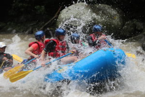 river rafting on the pacuare river