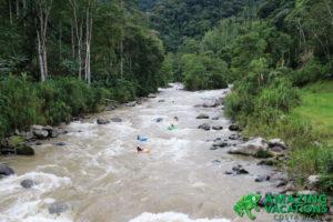 river kayaking in costa rica